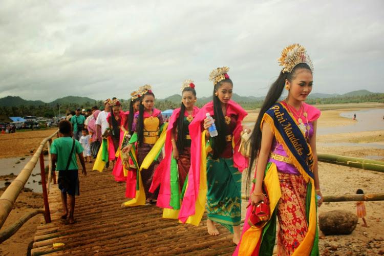 Februari di Depan Mata, Berminat Menyaksikan Festival Bau Nyale 2017 di Lombok?