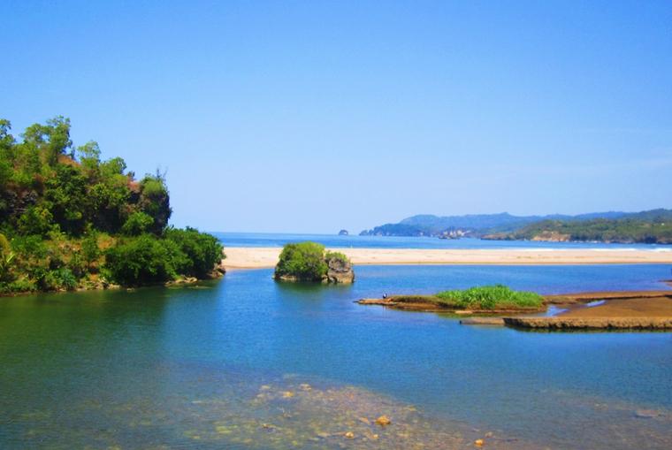 Image result for Pantai Soge