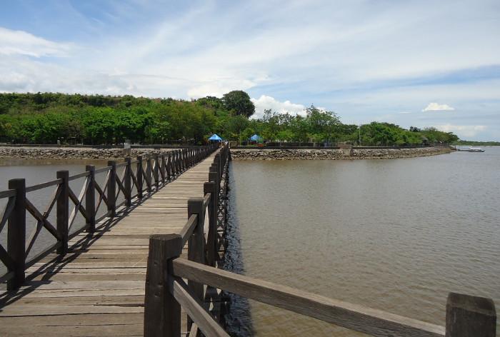 Pantai-Bentar