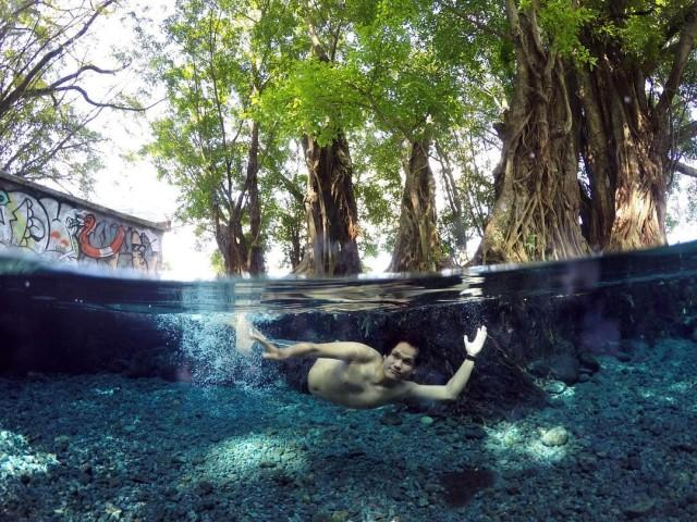 Jernihnya air di Umbul Manten. Foto: https://www.instagram.com/p/BB7EBN1Hghz/