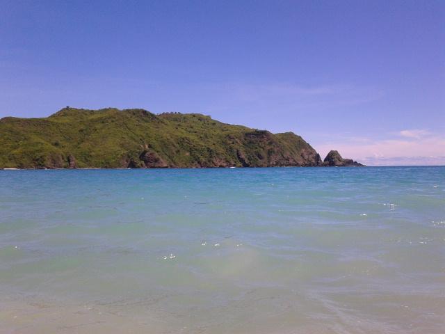 Pantai Mawun, Lombok. Pantai Yang Birunya Keterlaluan