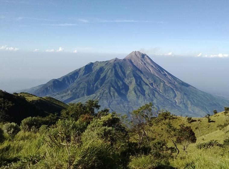 10 Gunung Di Jawa Tengah Idola Para Pendaki