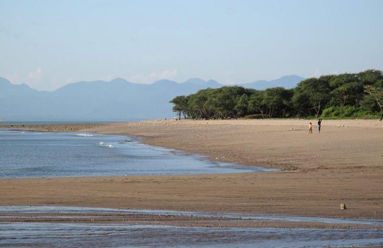 Pantai-Lasiana4
