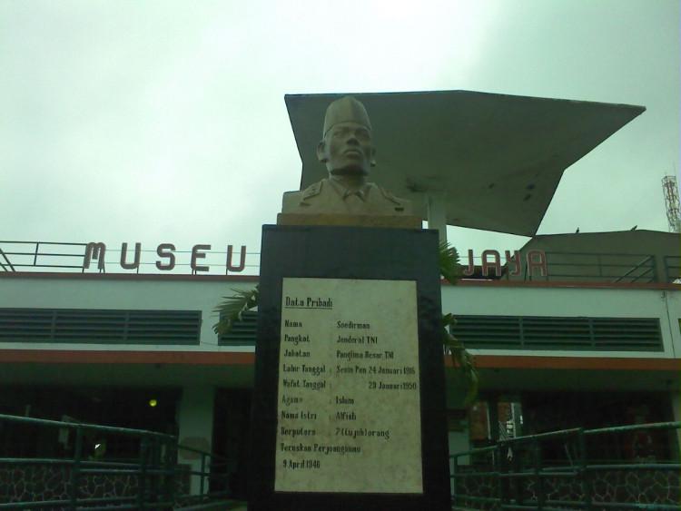 Jalan-jalan Sambil Belajar Sejarah Indonesia di Museum Brawijaya Malang