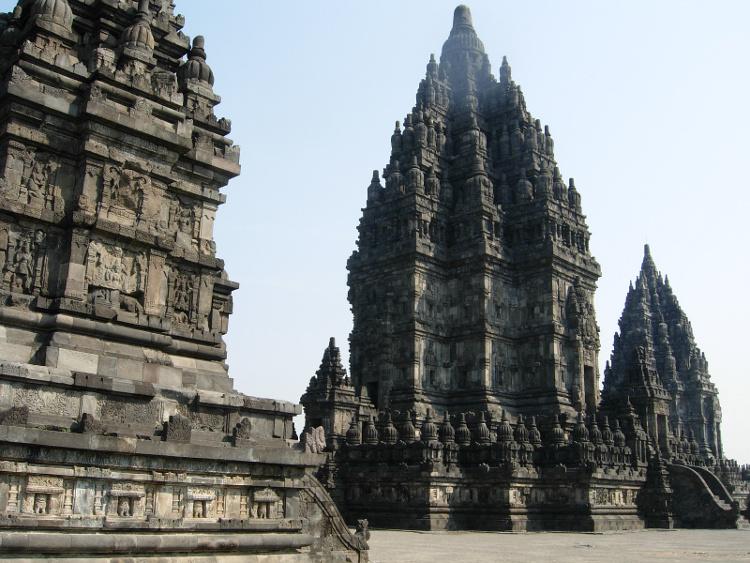 Candi Prambanan. Candi Hindu Terbesar di Asia Tenggara