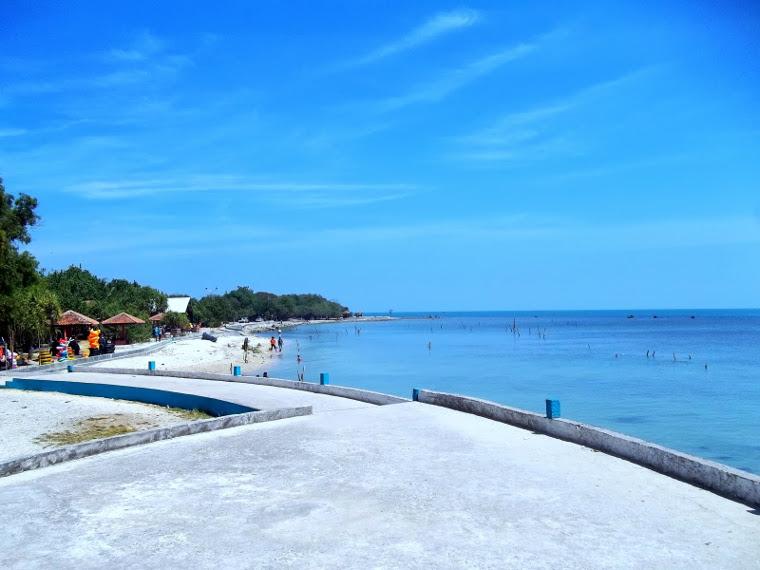 Pantai Bandengan, Pantai Cantik Berpasir Putih Dekat Pusat Kota Jepara