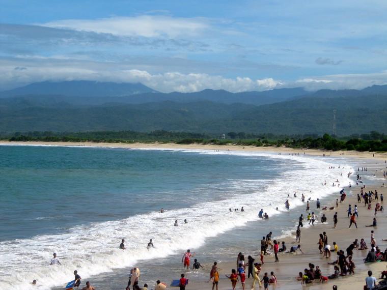 7 Pantai Cantik Yang Tak Boleh Kamu Lewatkan di Garut