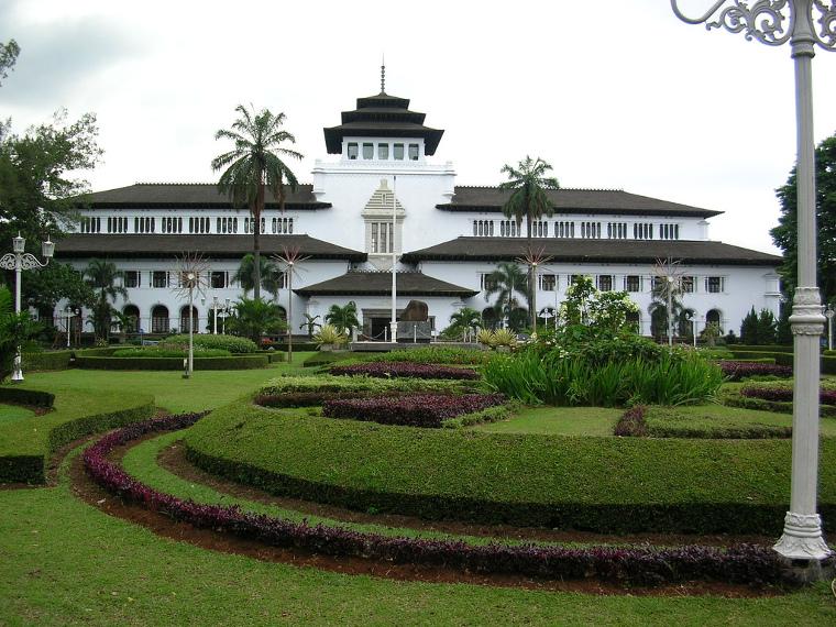 6 Tempat Wisata Paling Terkenal di Bandung
