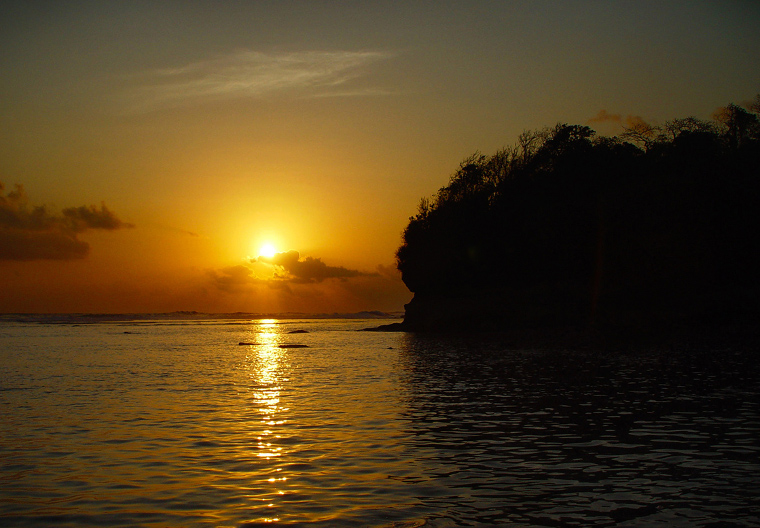 ngliyep-beach-sunset