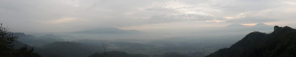 puncak suroloyo panorama