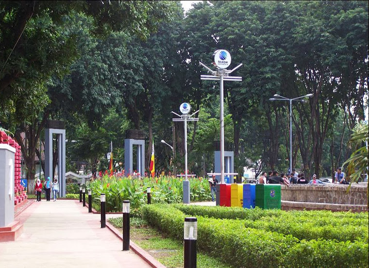 Taman Bungkul, Taman Kota Kebanggaan Warga Surabaya