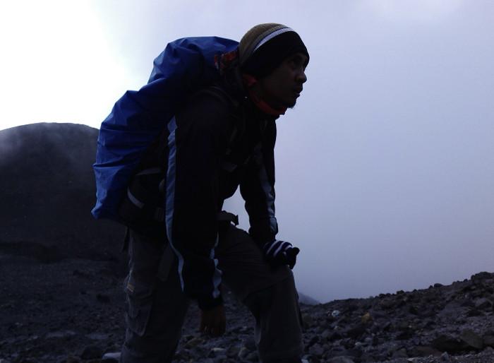 Tentang Pendakian Pertama ke Gunung Merapi