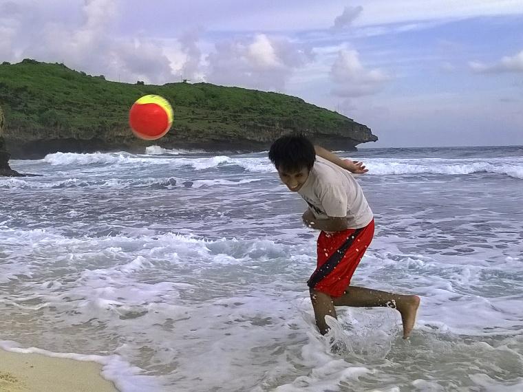 16 Pantai Yang Bisa Kamu Kunjungi di Pacitan