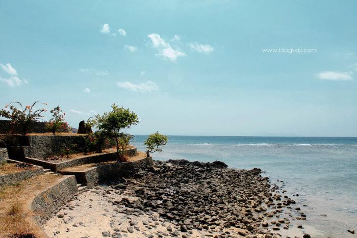 Pantai Batu Surat