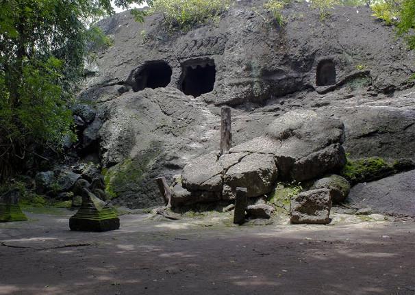 Berkunjung Ke Goa Selomangling. Goa Mistis di Kediri