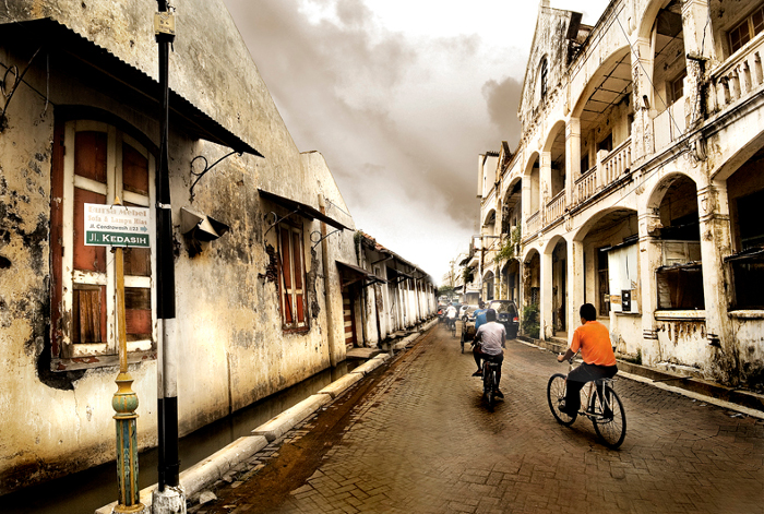 Foto: http://indonesiawow.com/wp-content/uploads/2014/04/Old_City_in_Semarang_by_Pandowo014.jpg