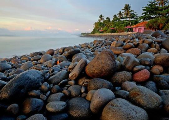 5 Tempat Wisata Menarik di Sekitar Pelabuhan Ratu Yang Akan Melengkapi Liburanmu di Sukabumi