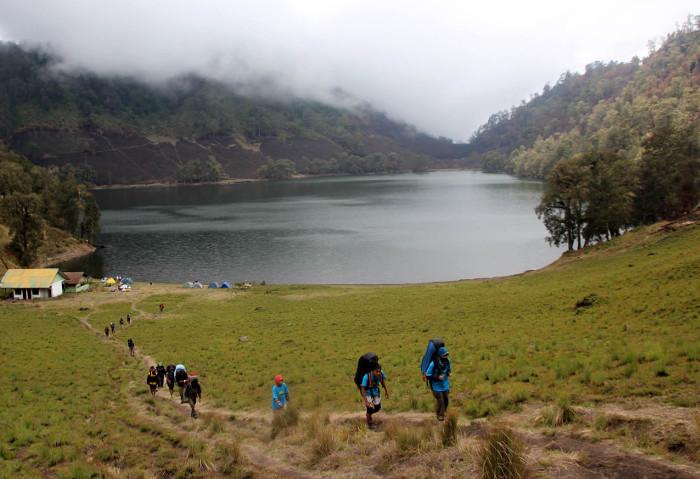 7 Gunung Di Jawa Timur Yang Senantiasa Menunggu Untuk Didaki