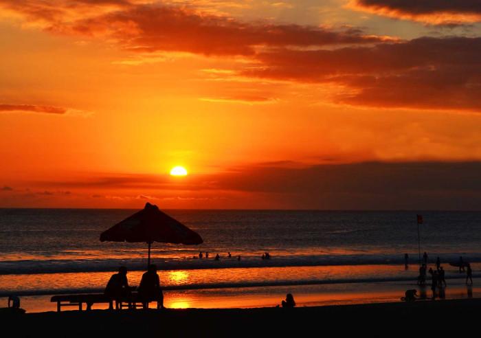 pantai-kuta-bali-sunset