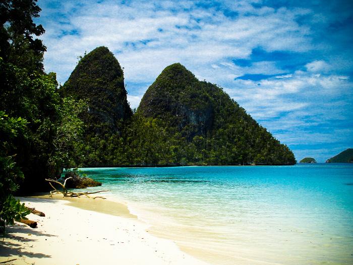 5 Pantai Cantik Yang Bisa Kamu Kunjungi di Raja Ampat