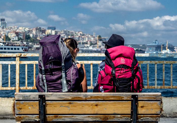 8 Hal Yang Membedakan Turis dan Traveller