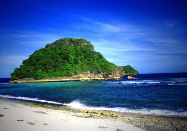 Pantai Bajulmati, Malang. Cerita Tentang Buaya Yang Menjadi Nama Pantai