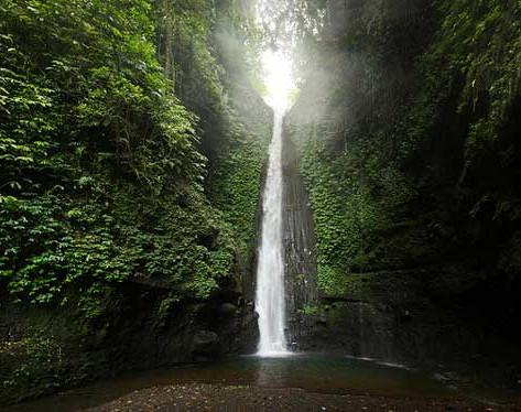 Air Terjun Jeruk Manis. Kesegaran Alami di Kaki Gunung Rinjani