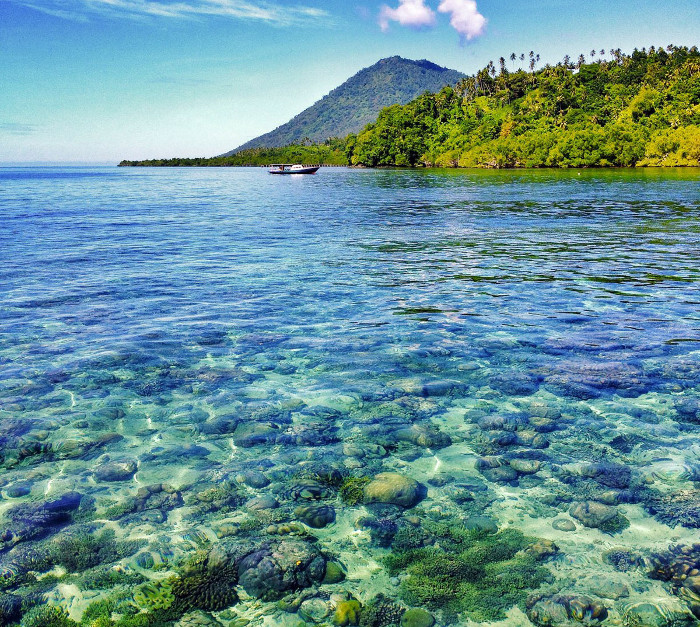 Foto: http://www.suwandichandra.com/wp-content/uploads/2013/12/Manado_Tua_With_Coral_Reef.jpg