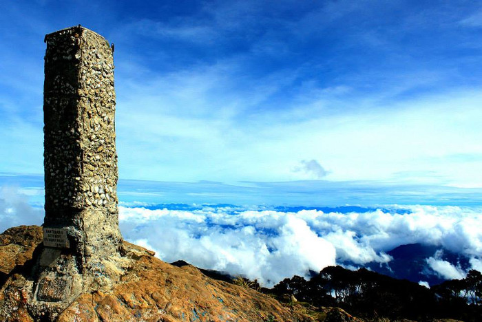Gunung Latimojong. Titik Tertinggi di Tanah Sulawesi