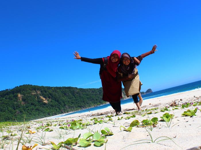 Pantai Modangan. Pantai Berpasir Putih di Ujung Barat Daya Malang