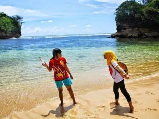 Berbagai Pantai yang harus di kunjungi