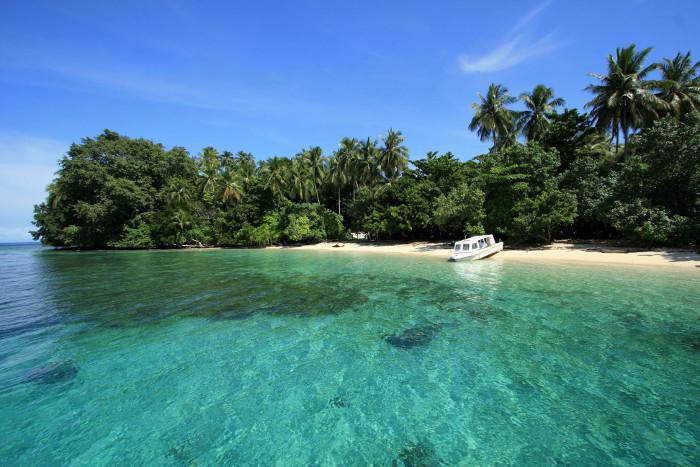 6 Taman Laut Yang Akan Membuatmu Semakin Jatuh Cinta Dengan Indonesia