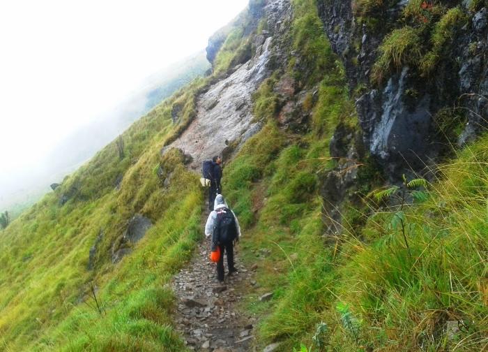 trekking gunung sumbing