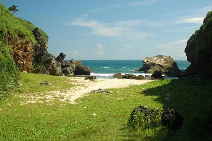 Pantai Wohkudu, Pantai Kecil Yang Suka Bersembunyi