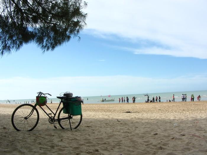 6 Wisata Pantai di Madura Yang Akan Membuatmu Bahagia