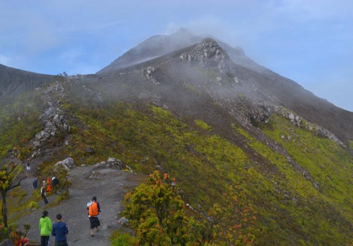 Alasan Utama Kenapa Jalur Pendakian Harus Ditutup