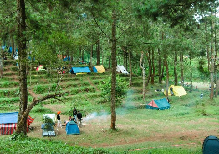 Tak Harus Ke Puncak. Ini 6 Tempat Seru Untuk Camping di Sekitar Gunung Ciremai