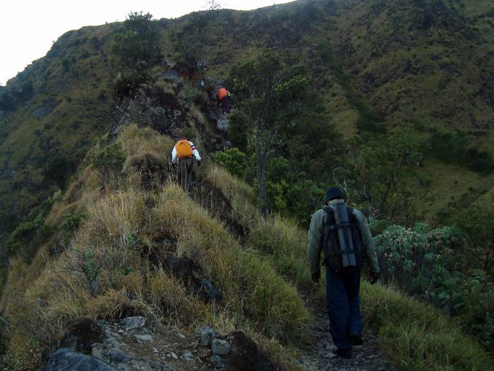 Pendakian Gunung Merbabu Via Wekas