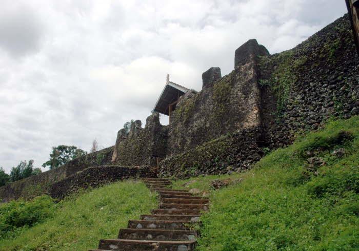 8 Tempat Wisata Menarik di Kota Baubau, Buton