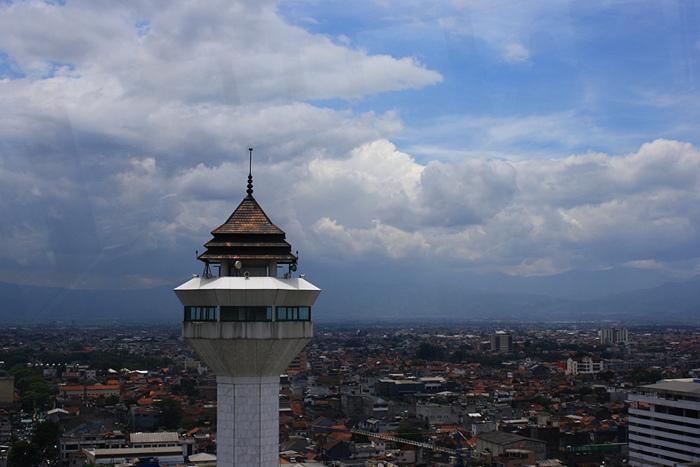 Menara Masjid Raya Bandung