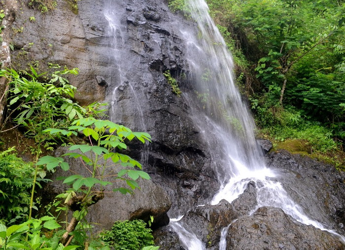 Watu Jonggol. Air Terjun Cantik Di Bukit Menoreh, Kulonprogo