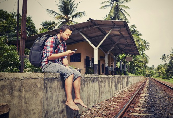 6 Tips Supaya Bisa Lepas Dari Smartphone Saat Traveling