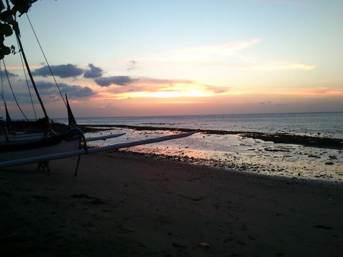 Pantai Pasir Putih. Yang Indah di Situbondo