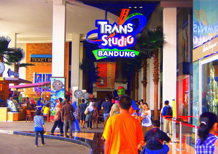Wisata Bandung: trans studio bandung
