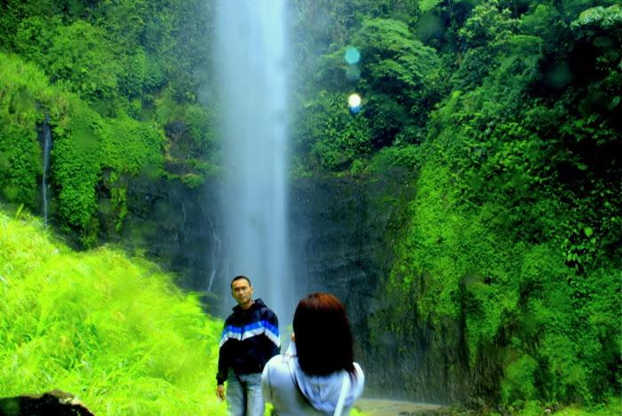 Foto: http://2.bp.blogspot.com/-Cfk2gL0g6cg/UVENsUgXIjI/AAAAAAAADf8/I0k3djSm1gM/s400/Muda+Mudi+di+Kali+Pancur.jpg