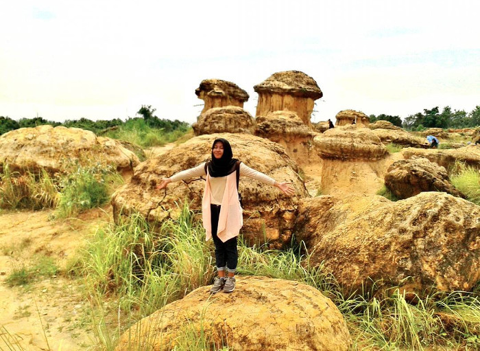 Bukit Jamur. Tempat Wisata Yang Sangat Fotogenik di Gresik