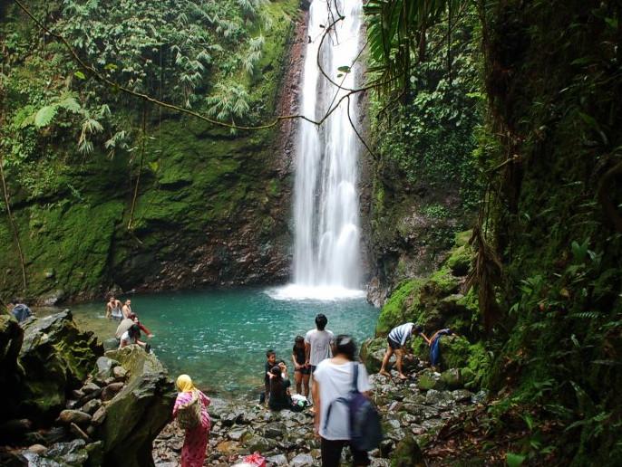 15 Curug Cantik di Bogor Yang Akan Membuat Pikiranmu Tenang