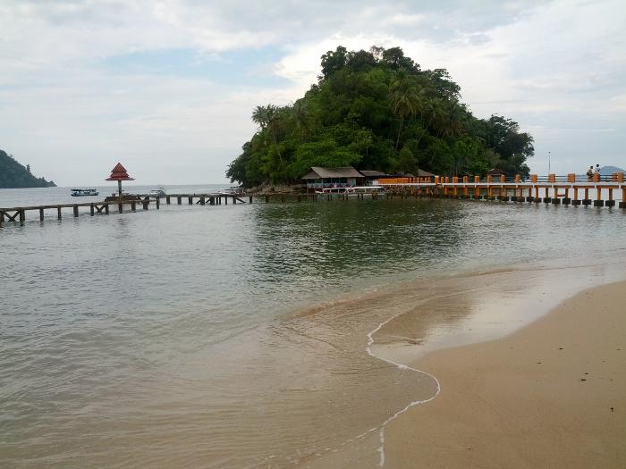 Pantai Carocok Yang Cucok di Pesisir Selatan, Sumatra Barat