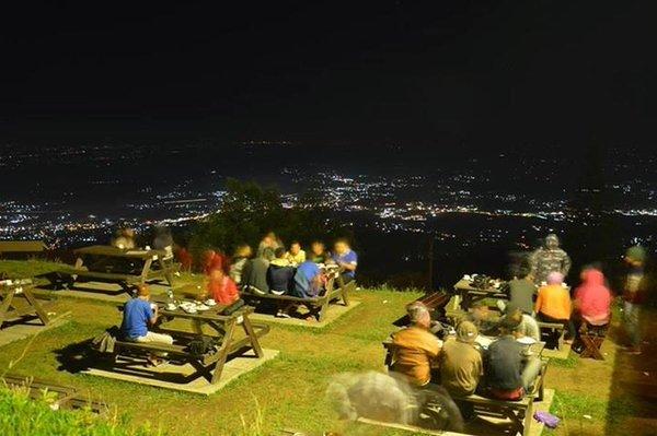 Ngopi-ngopi Asik di Pondok Kopi Umbul Sidomukti, Bandungan