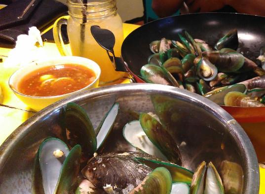 Kerang Kiloan Bang Jono, Sisi Lain Kuliner Malam Di Banyuwangi